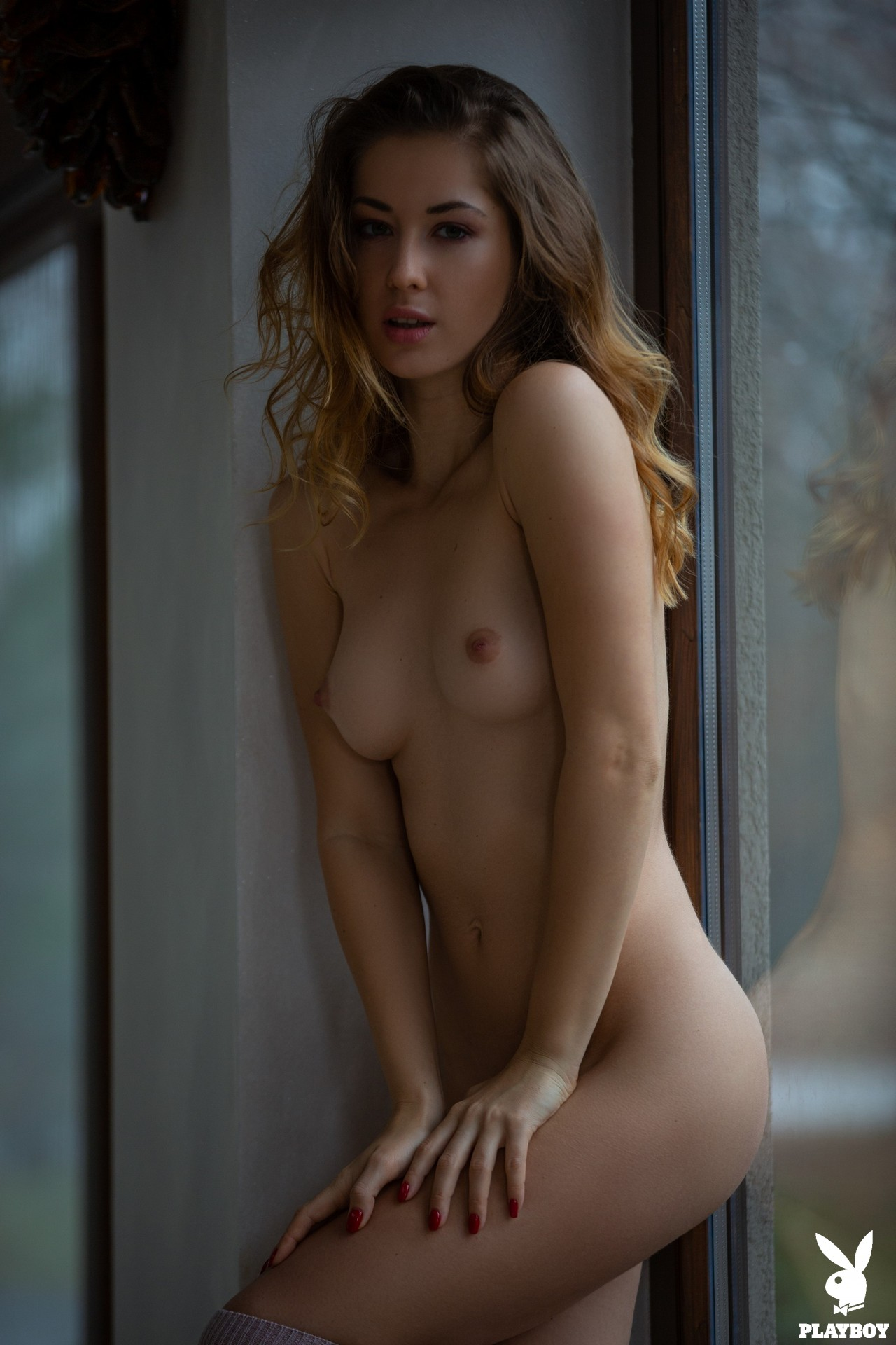Diana Lark Become Completely Nude - Picture 12