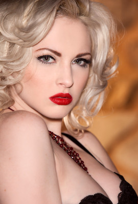 Carissa White channels one Miss Marilyn Monroe