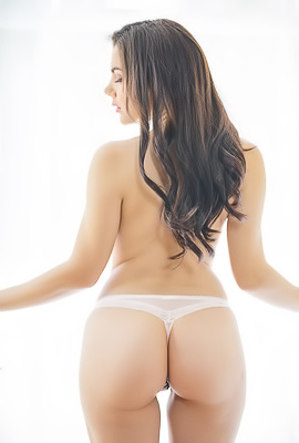 Valentina Nappi Fully Ready For Fuck