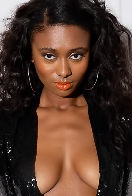Famous Ebony Model Jahla