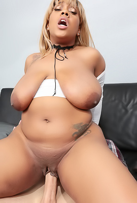 Ms.Yummy Happy To Get Her That Massive Load