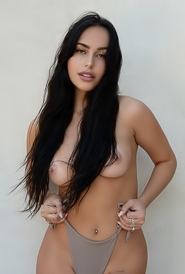 Claudia Tihan Showing Her Natural Boobs