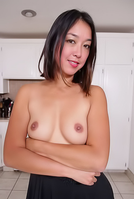 Asian MILF Lexi Mansfield Sucking Big Cock
